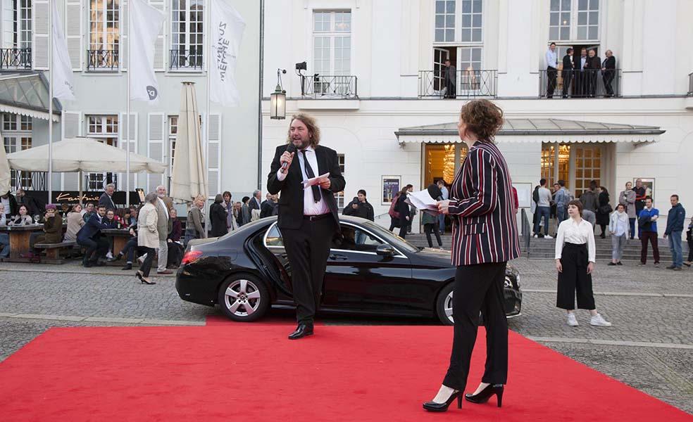 Gala Global Eine Weltbürgerinnen Suche Am Deutschen Theater Berlin